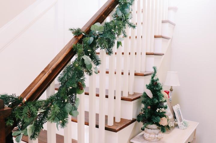 How To Make Faux Eucalyptus Christmas Garland Amusingly Katie